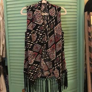 Vince Camuto pattern vest with fringes